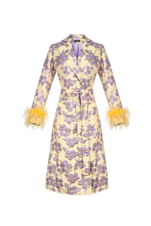 Vanilla jacquard coat with detachable feathers cuffs