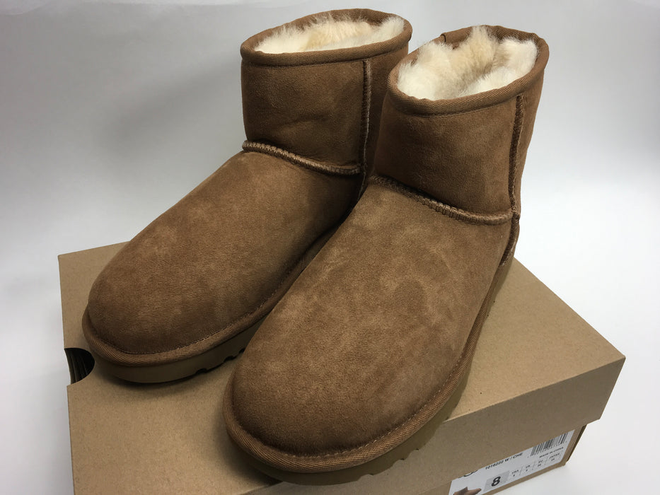UGG Womens Classic Mini II Winter Boot - Chestnut (US 8) *AS-IS/SMALL RIP*
