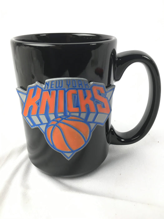 New York Knicks 15oz. Pewter Logo Ceramic Mug, Black