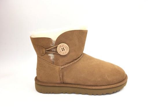 UGG Women's Mini Bailey Button II Winter Boot - Chestnut {US 8}