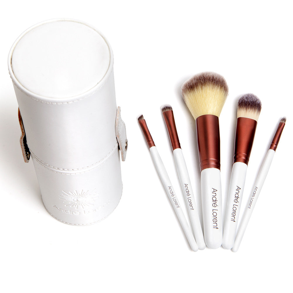 #1 PRO Makeup Brush Set With Gorgeous Designer Case - Includes 5 Professional Makeup Brushes. Lifetime Guarantee. Best Quality Brushes for Eye Makeup and Face - Top Choice of Pro Makeup Artists. Introducing LuxeFiber™ technology