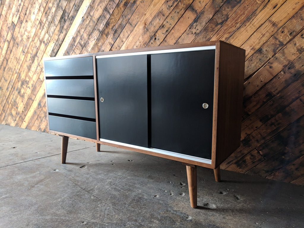 The Hunt Vintage Your Favorite Mid Century Furniture Resource