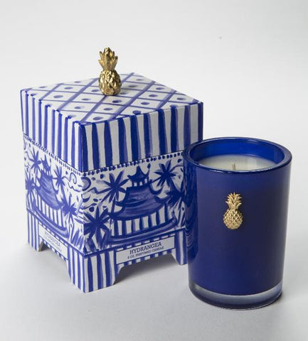 CANDLE - DTHY - 8 OZ HYDRANGEA CANDLE IN BLUE AND WHITE CHINOISERIE BOX WITH PINEAPPLE