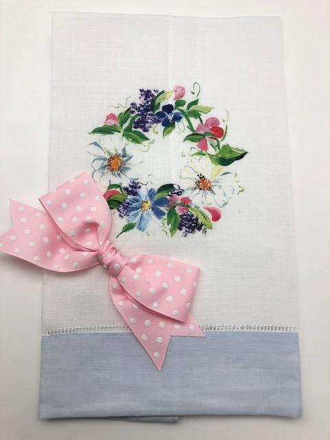 TEA TOWEL - DBB - SPRING WREATH - LIGHT BLUE BAND WITH BOW