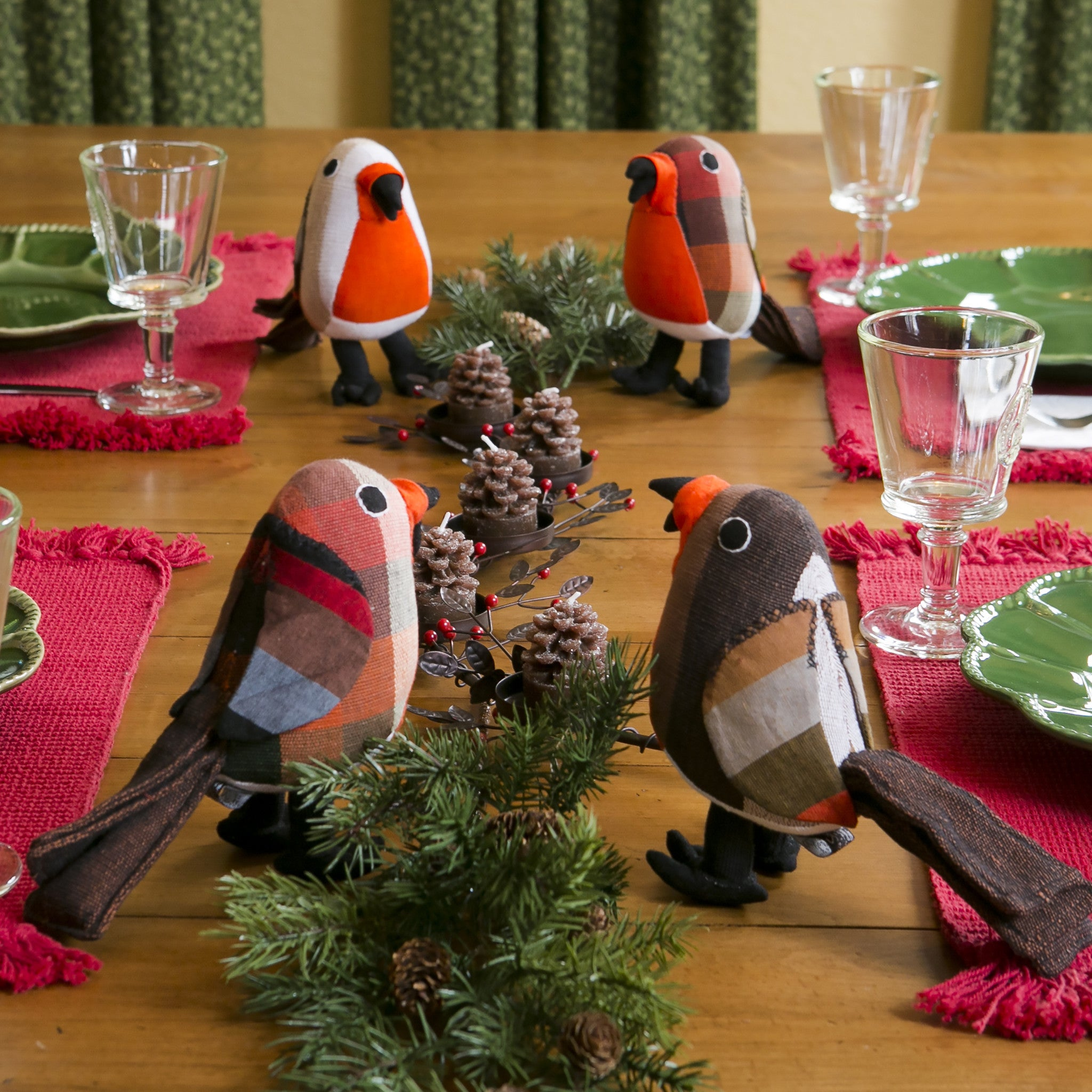 Red Robins will be the perfect addition to your table centerpiece!