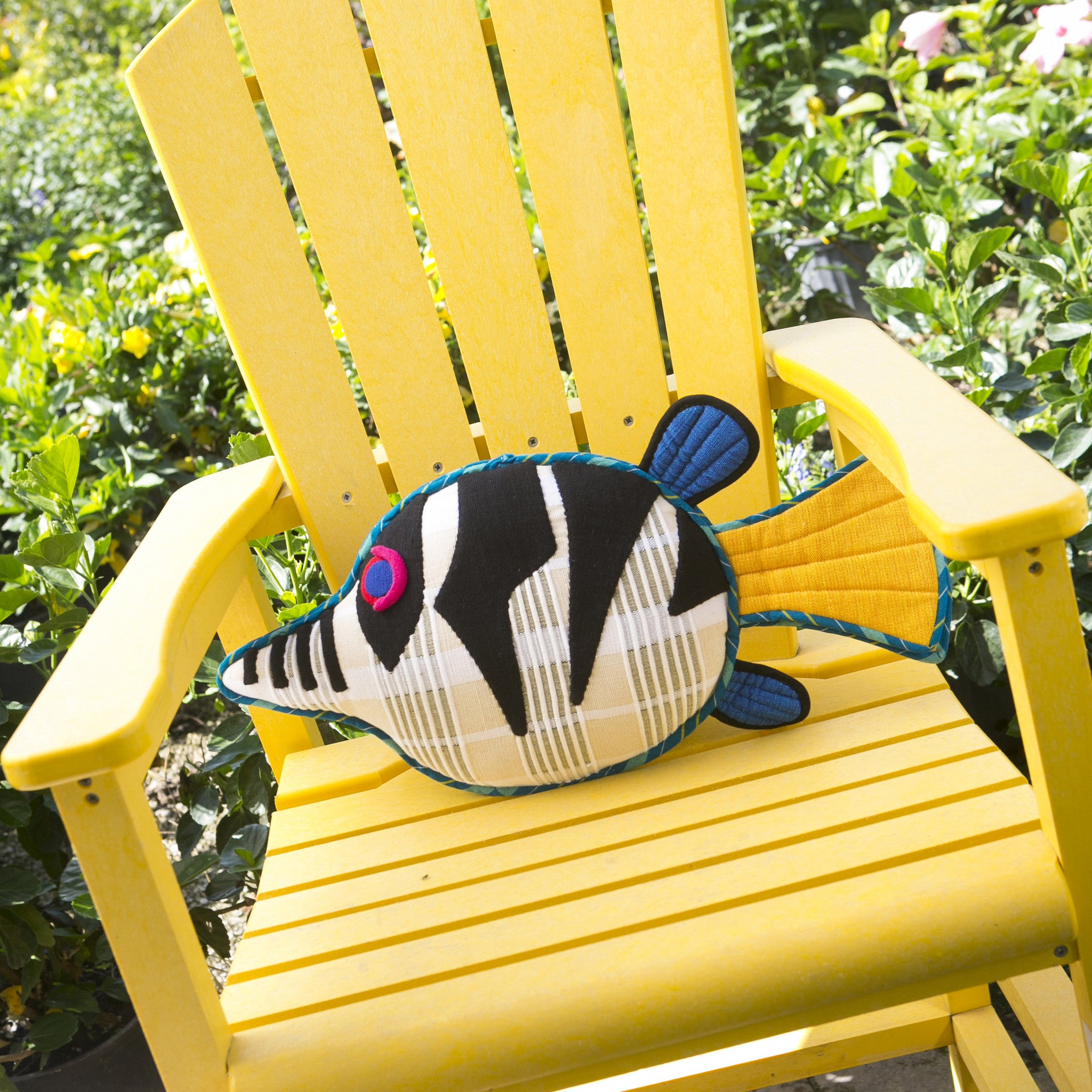 Flash, the Sharpnosed Puffer Fish – Adding the perfect punch of color! (small size)
