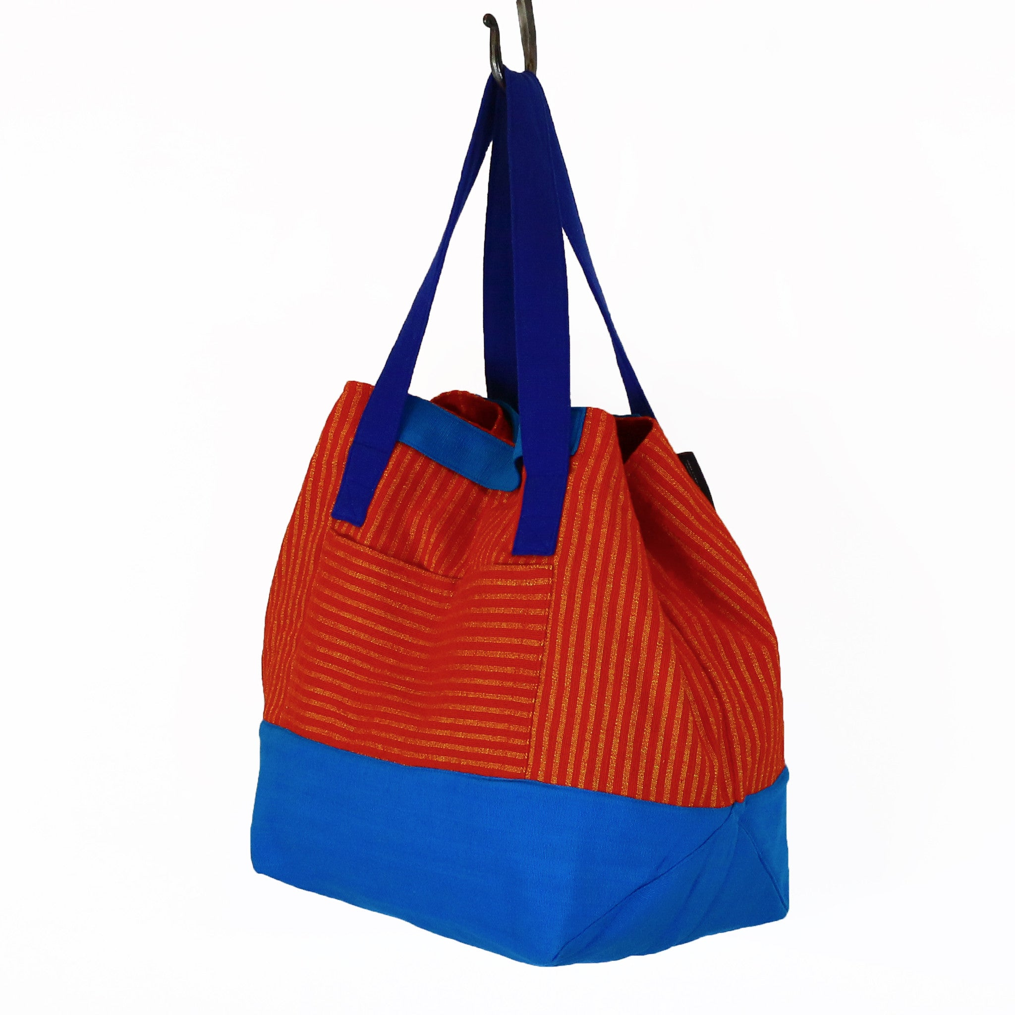 The Essential Weekender – Bell Pepper fabric shown