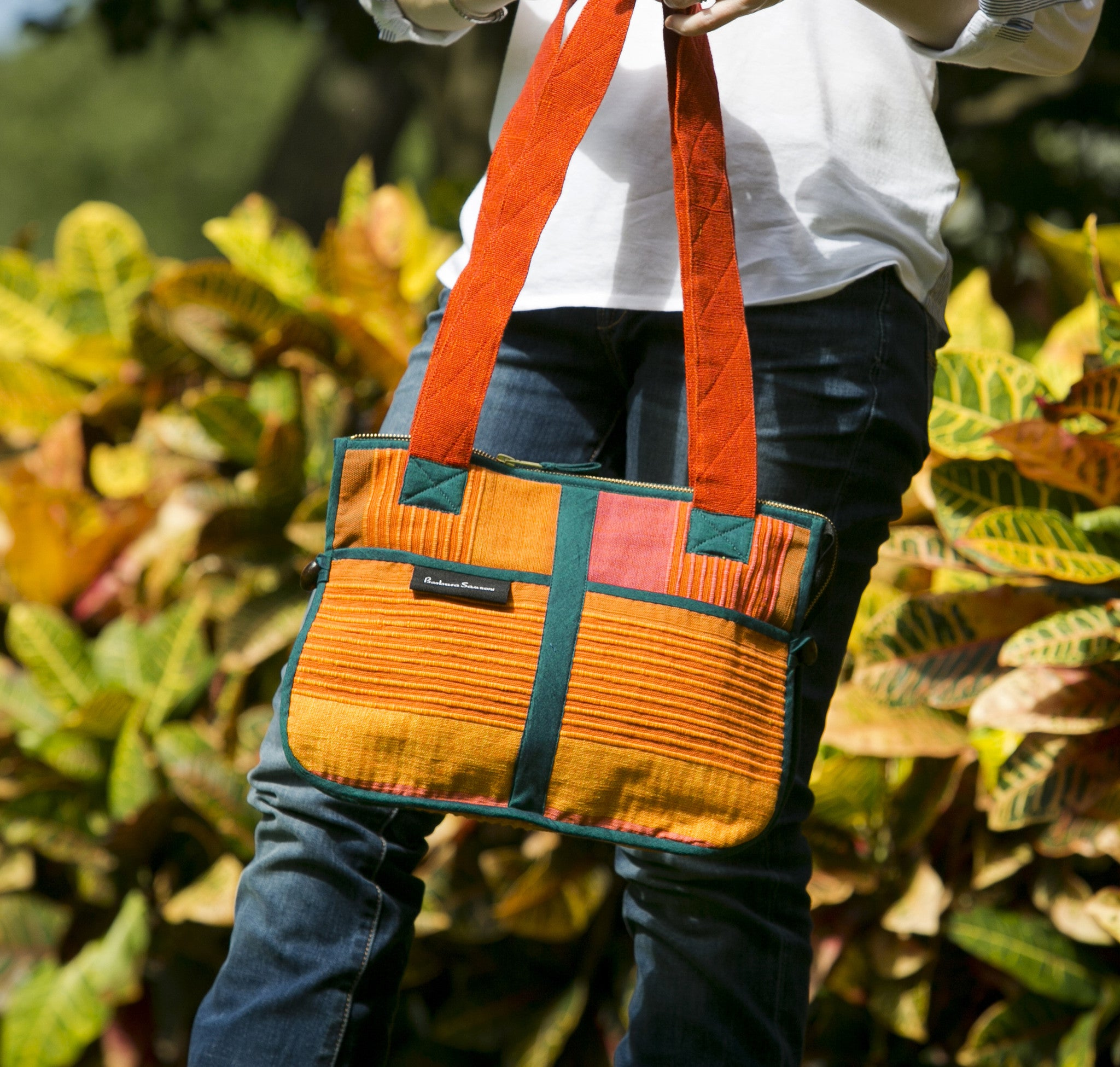 Barefoot Handwoven Expandable Shoulder Bag – spacious and stylish! (Sunset fabric shown)