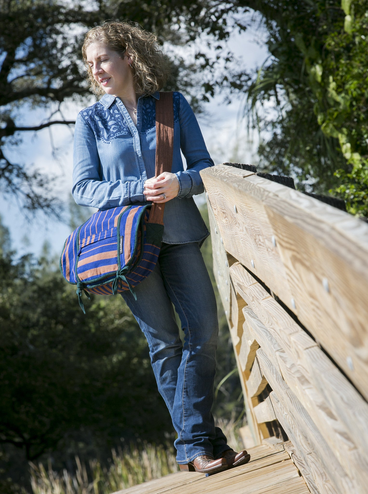 Barefoot Handwoven Messenger Bag – hip and stylish! (sample fabric shown)