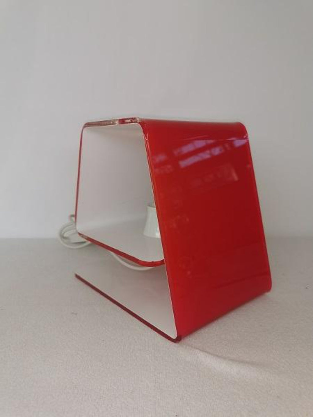 Modern Italian red design table lamp Carina - Marco Baxadonne for Calligaris luce
