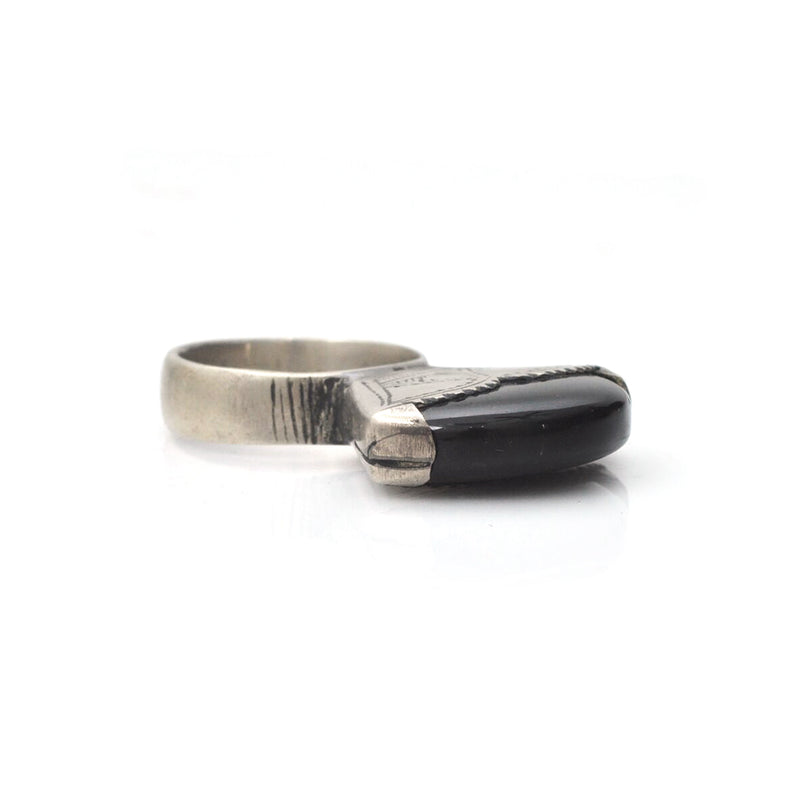 Black Onyx Tisik Ring