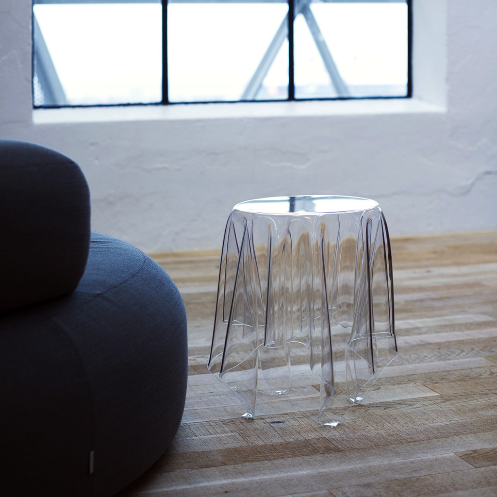 Illusion Table, clear