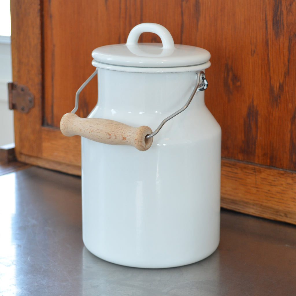 1.5L Enamel Milk Can With Handle