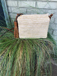 Natural straw crossbody