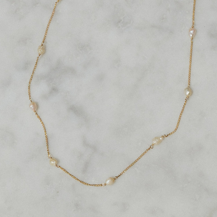 Baby Baroque Pearls Chain By Luiny