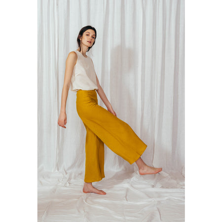 Matilde Trousers in Mostaza By Sunad
