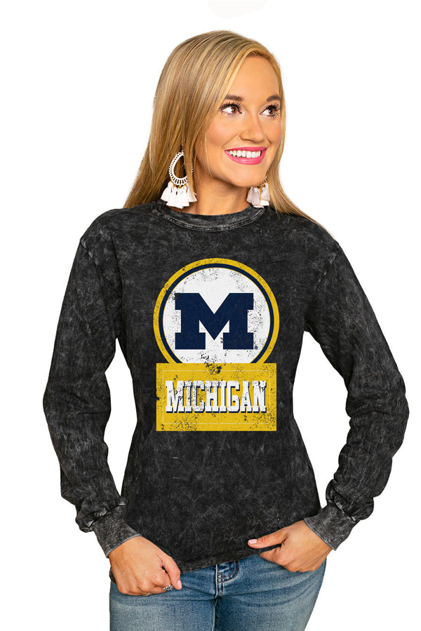 "MICHIGAN WOLVERINES ""GOOD VIBES"" RETRO MINERAL WASH CREW"