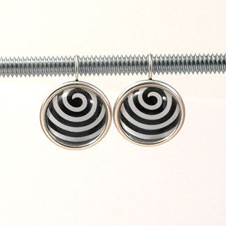 Geometric Earrings Wave Pattern