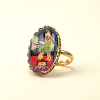 Honolulu Broom - Vintage Hawaiian Ad Illustration Petite Ring