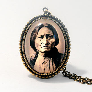 Sitting Bull Deluxe Necklace