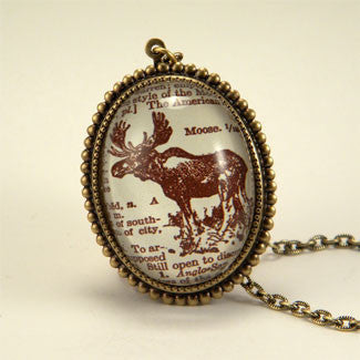 Chocolate Moose Deluxe King of the Woods Engraving Pendant Necklace