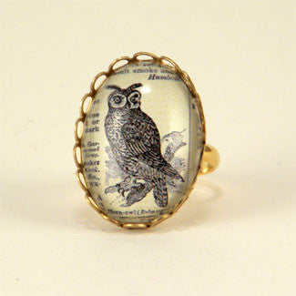 Wise Old Owl Vintage Engraving Petite Ring