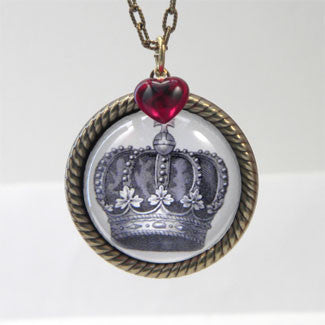 Queen of Hearts Royal Crown Necklace