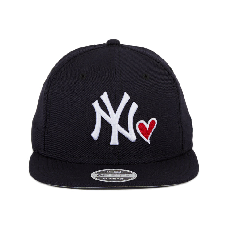 new products 8fc7b d8e3d Exclusive New Era 9Fifty New York Yankees Heart Snapback Hat - Navy – Hat  Club