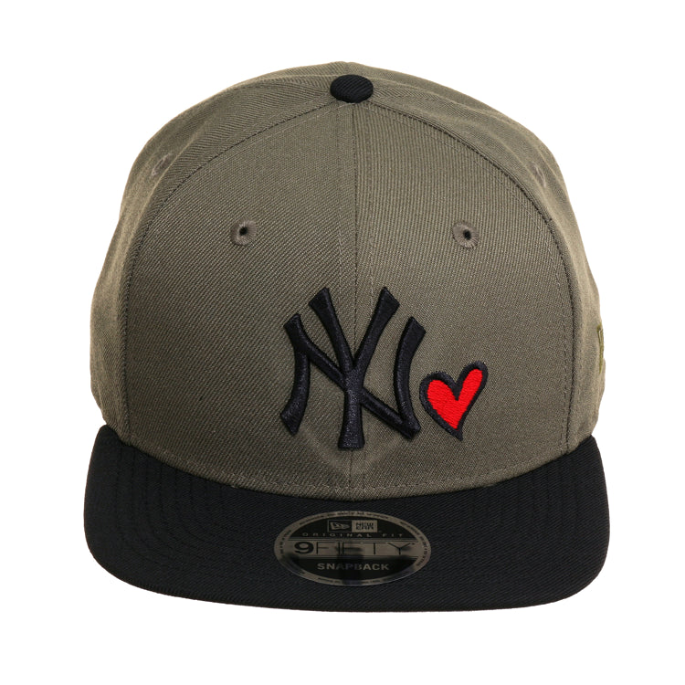 10a13868d5d837 Exclusive New Era 9Fifty New York Yankees Heart Snapback Hat - 2T Oliv – Hat  Club