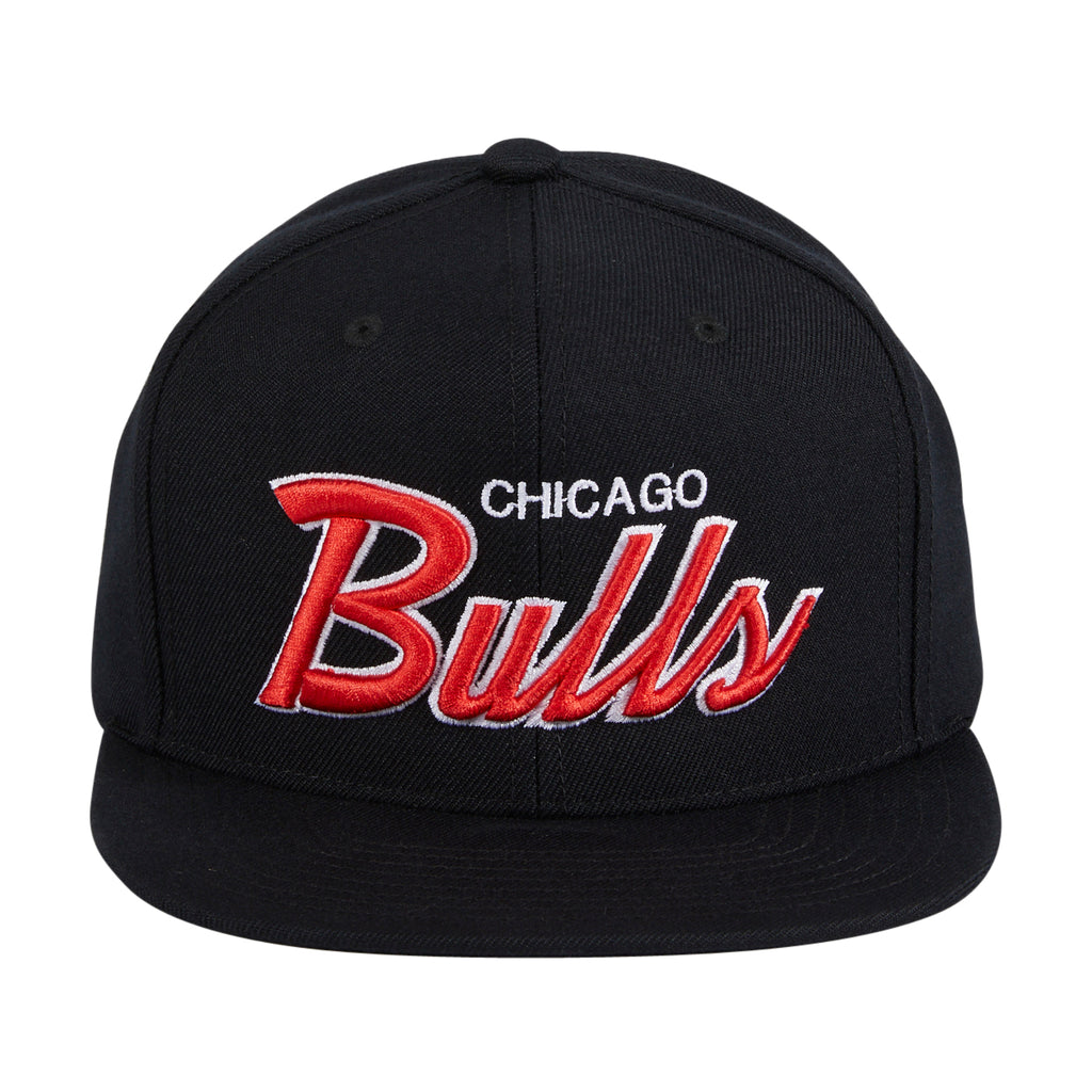 Mitchell & Ness Chicago Bulls Script Snapback - Black