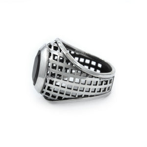 side of the Caged Class Ring in silver from the han cholo alien collection