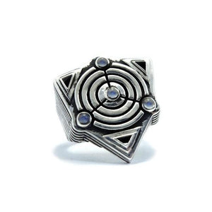 front of the Awoken Ring in silver from the han cholo alien collection