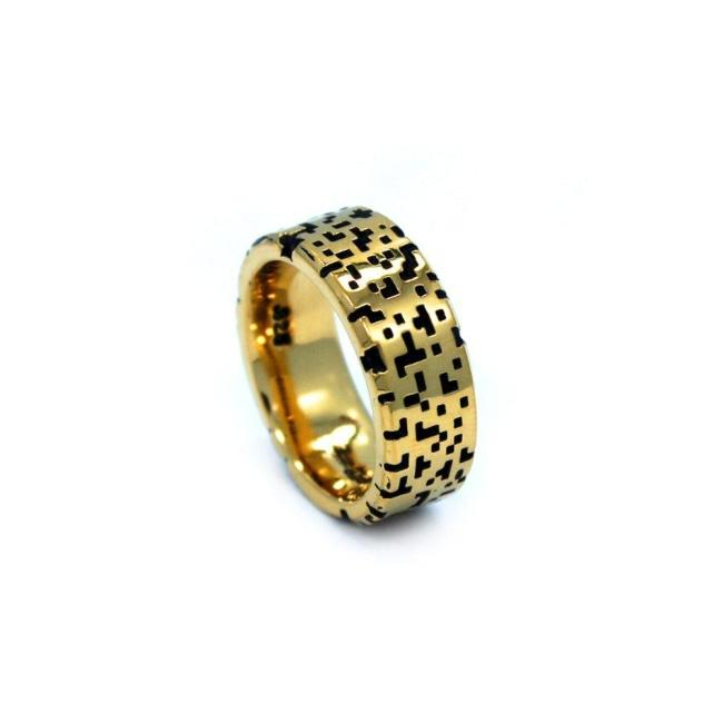 angle of the Baby Leopard Ring in silver from the han cholo precious metal collection