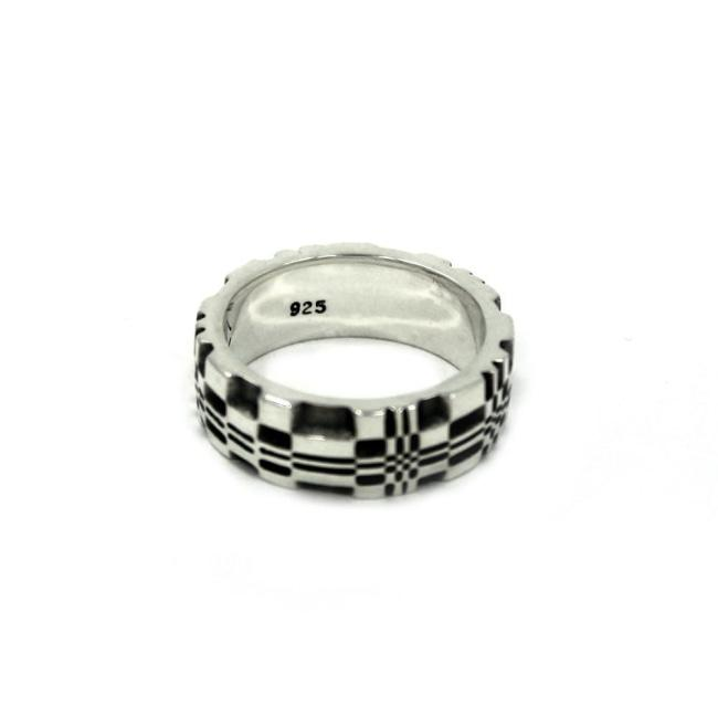 front of the Baby Pixel Ring in silver from the han cholo precious metal collection