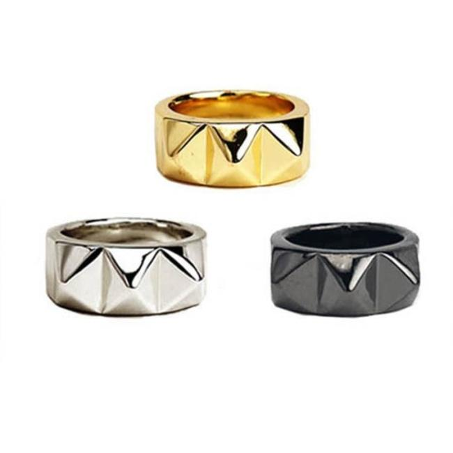 Big Spike Ring Gold / 6 Ss Rings