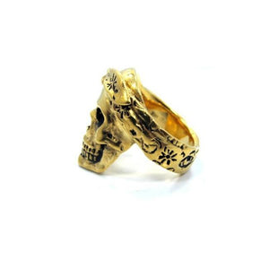 side of the Cali Love Ring in gold from the han cholo music collection