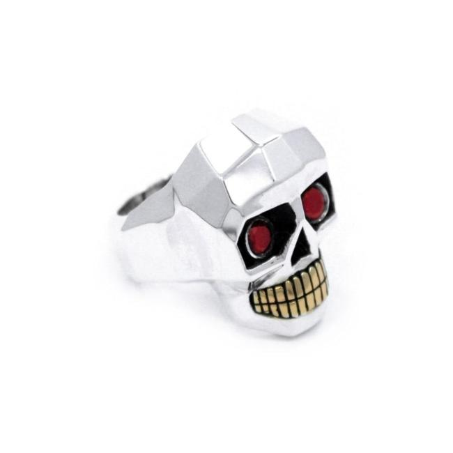 front of the Crystal Skull Ring in silver from the han cholo fantasy collection