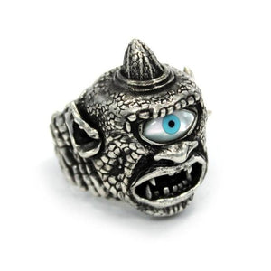 left side of the Cyclops Ring in silver from the han cholo fantasy collection