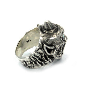 inner detail of the Cyclops Ring in silver from the han cholo fantasy collection