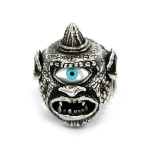 front of the Cyclops Ring in silver from the han cholo fantasy collection