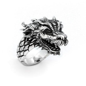 right angle of the Dragon Ring in silver from the han cholo fantasy collection