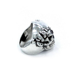 inner detail of the Future Human Ring in silver from the han cholo fantasy collection