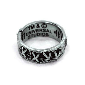 right side view of the Her till death do us part ring from the universal monsters collection