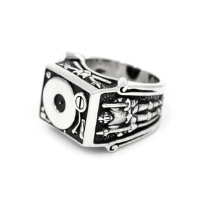 right side of the Knights Of The Turntable Ring in silver from the han cholo music collection