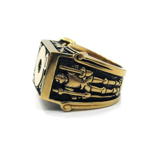 side of the Knights Of The Turntable Ring in gold from the han cholo music collection
