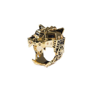 left angle of the Lazarus Ring in gold from the han cholo fantasy collection