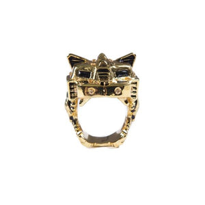 front of the Lazarus Ring in gold from the han cholo fantasy collection