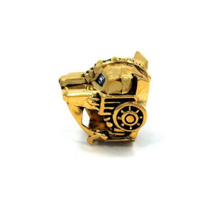 left side of the Lioness Ring in gold from the han cholo fantasy collection