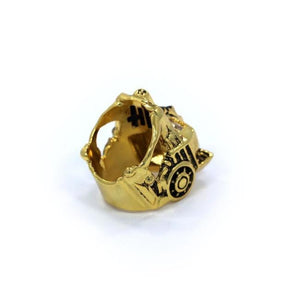 bottom of the Lioness Ring in gold from the han cholo fantasy collection