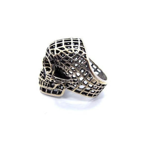 side of the Mesh Skull Ring in silver from the han cholo skulls collection